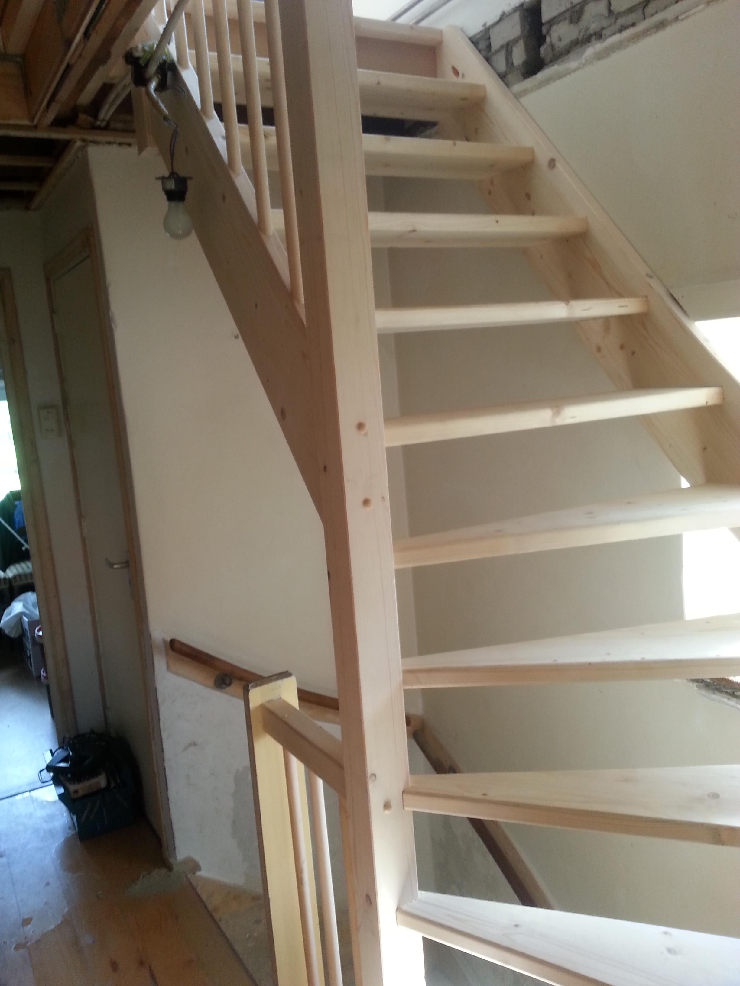 Foto s d houten trappen specialist for Vurenhouten trap