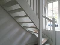 Open onderkwart trap