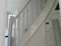 Nieuwe balustrade op oude trap